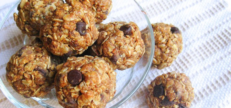 Toasted Oat Peanut Butter Chocolate Chip Balls